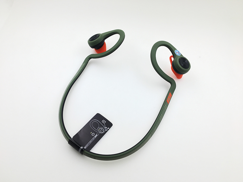 Tai-nghe-bluetooth-Plantronics-Backbeat-Fit-anh-that-01