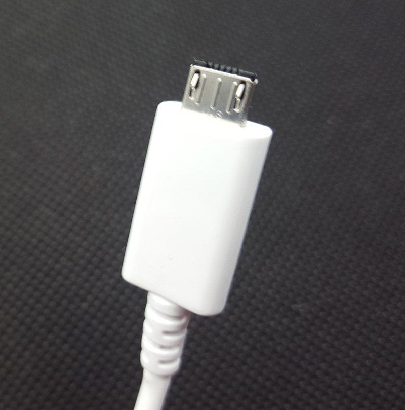 cable-usb-galaxy-a9-pro-2016-08