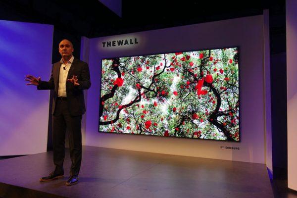 "Samsung ra mắt The Wall, TV microLED 146"""
